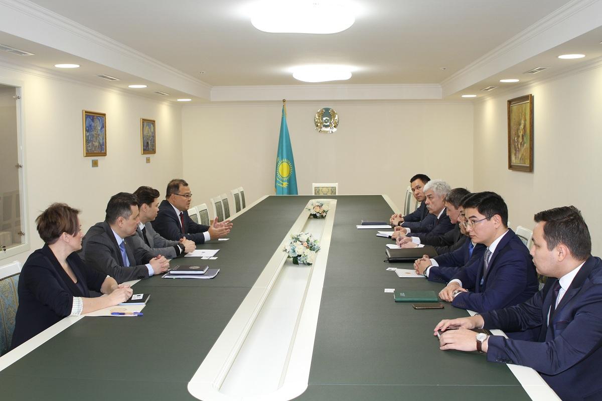 Главы консульских учреждений РК в РФ встретились с руководством Kazakhstan Investment Development Fund