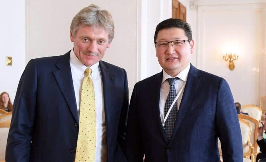 Пресс-секретарь Президента РК Берик Уали пожелал выздоровления коллеге Дмитрию Пескову