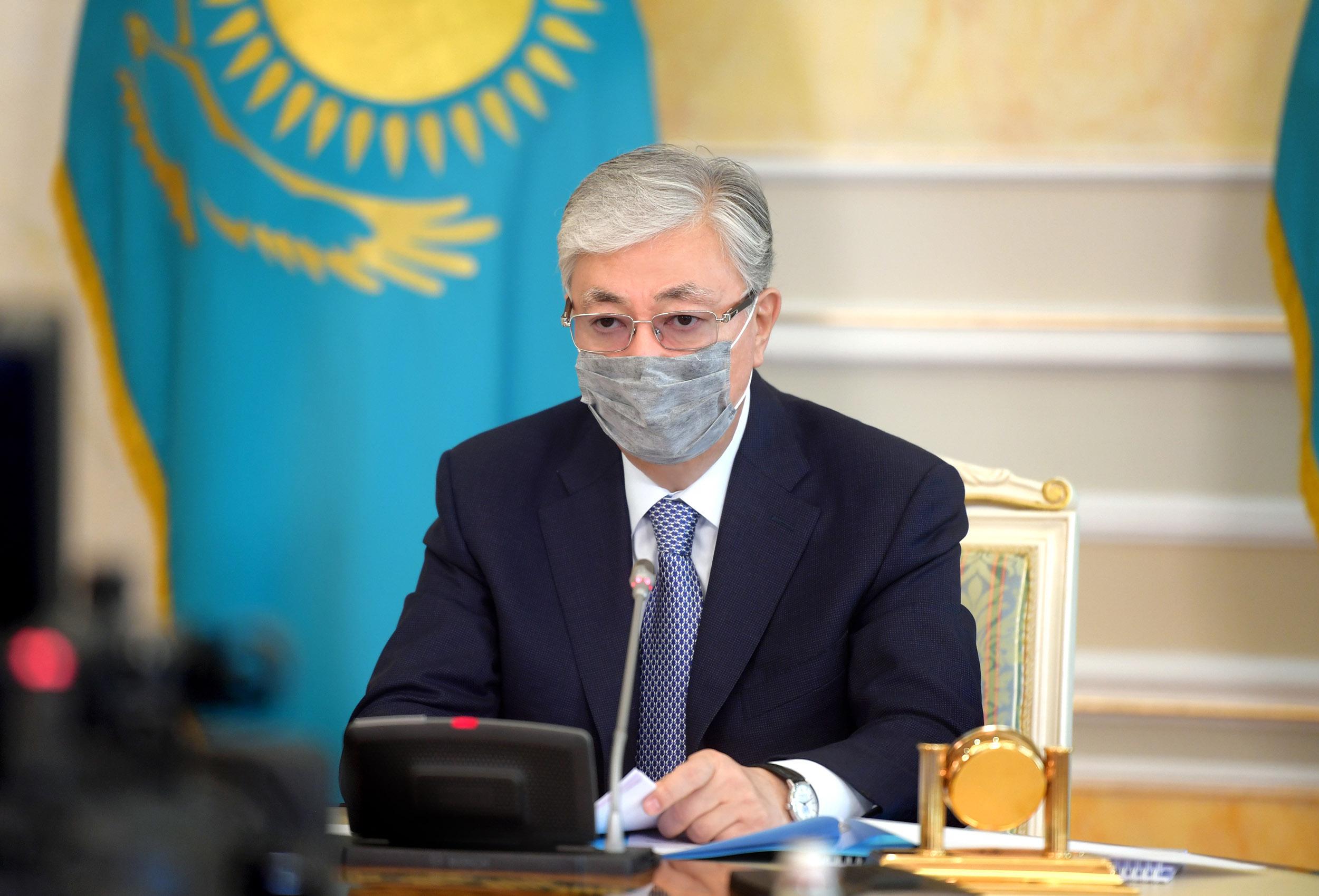 Глава государства провел совещание по мерам противодействия распространению коронавирусной инфекции