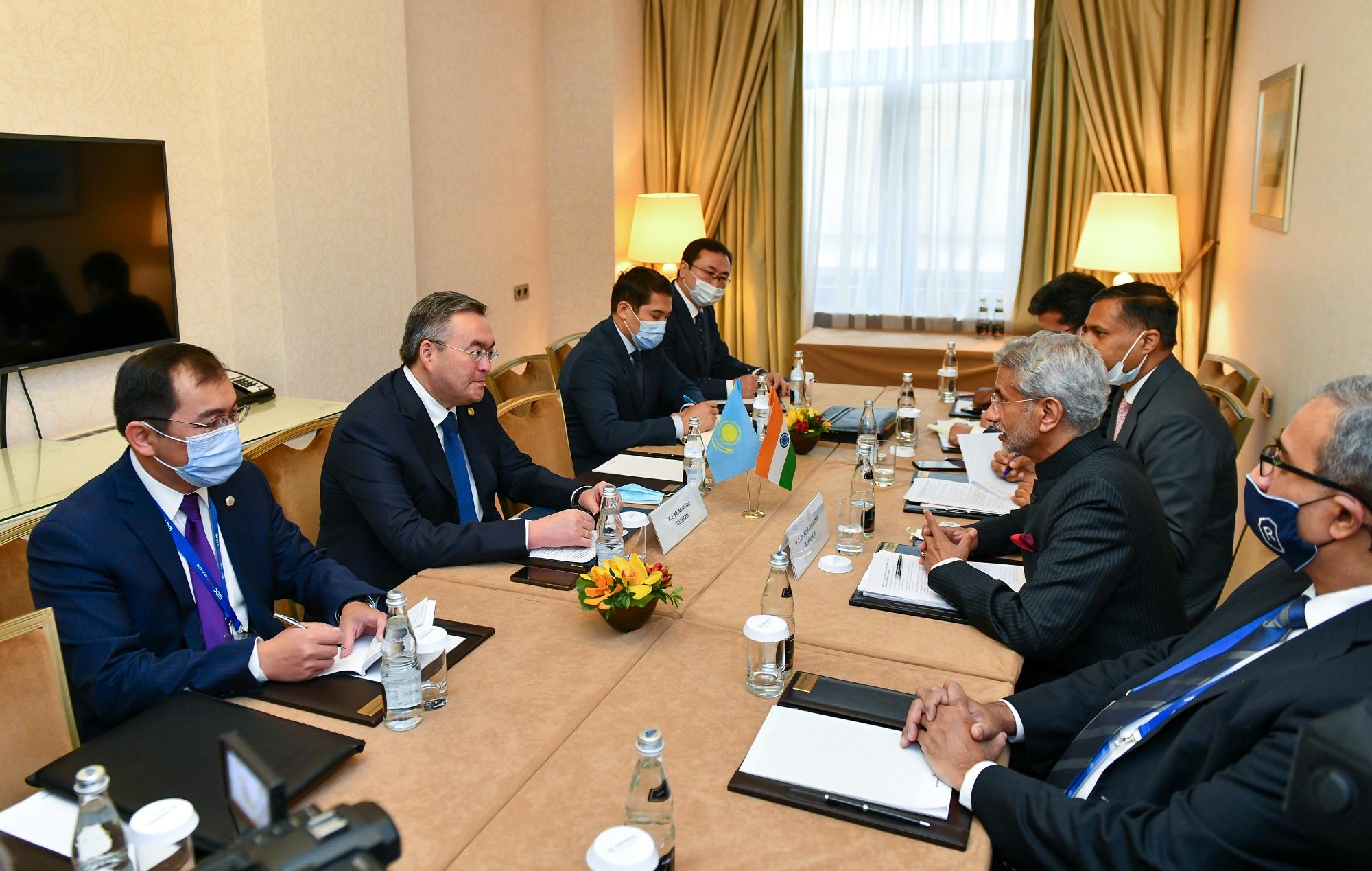 В рамках СМИД ШОС в Москве глава МИД РК Мухтар Тлеуберди провел встречи с коллегами из Кыргызстана и Индии