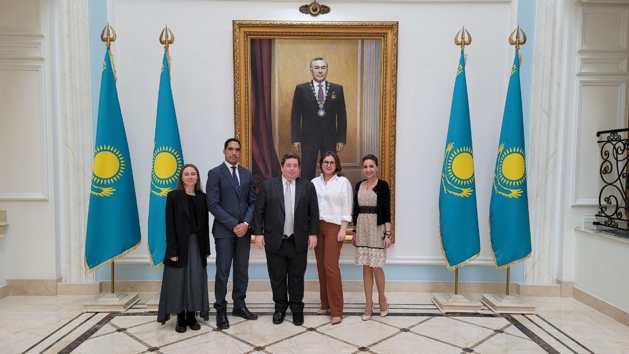 Посол Доминиканской Республики посетил Посольство Казахстана с визитом вежливости
