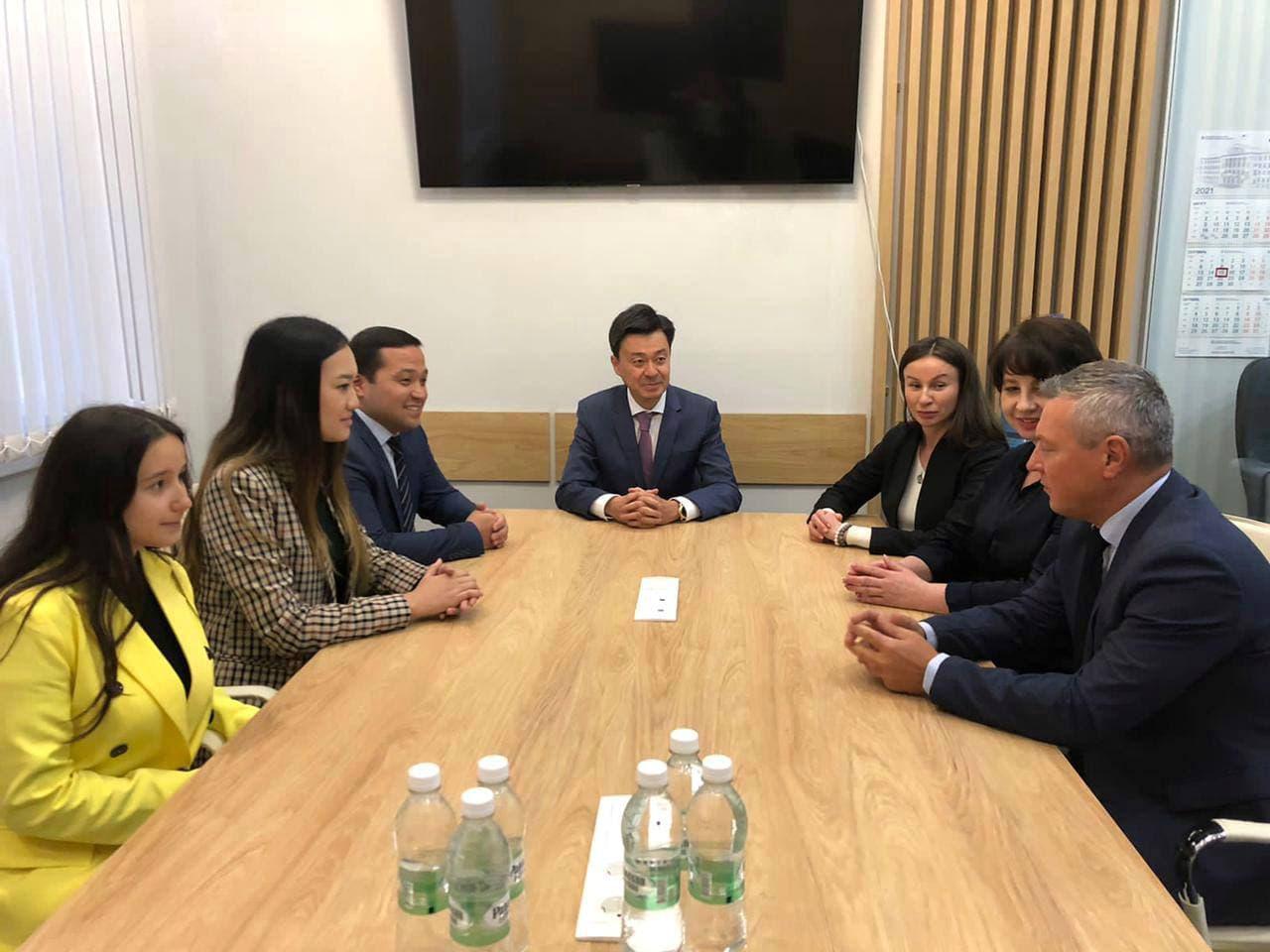 Генеральное консульство РК провело круглый стол, посвященный 30-летию закрытия Семипалатинского полигона