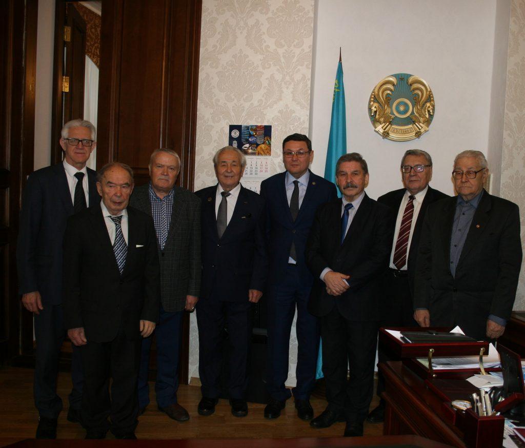 Генеральный консул РК в Казани встретился с представителями интеллигенции Республики Татарстан