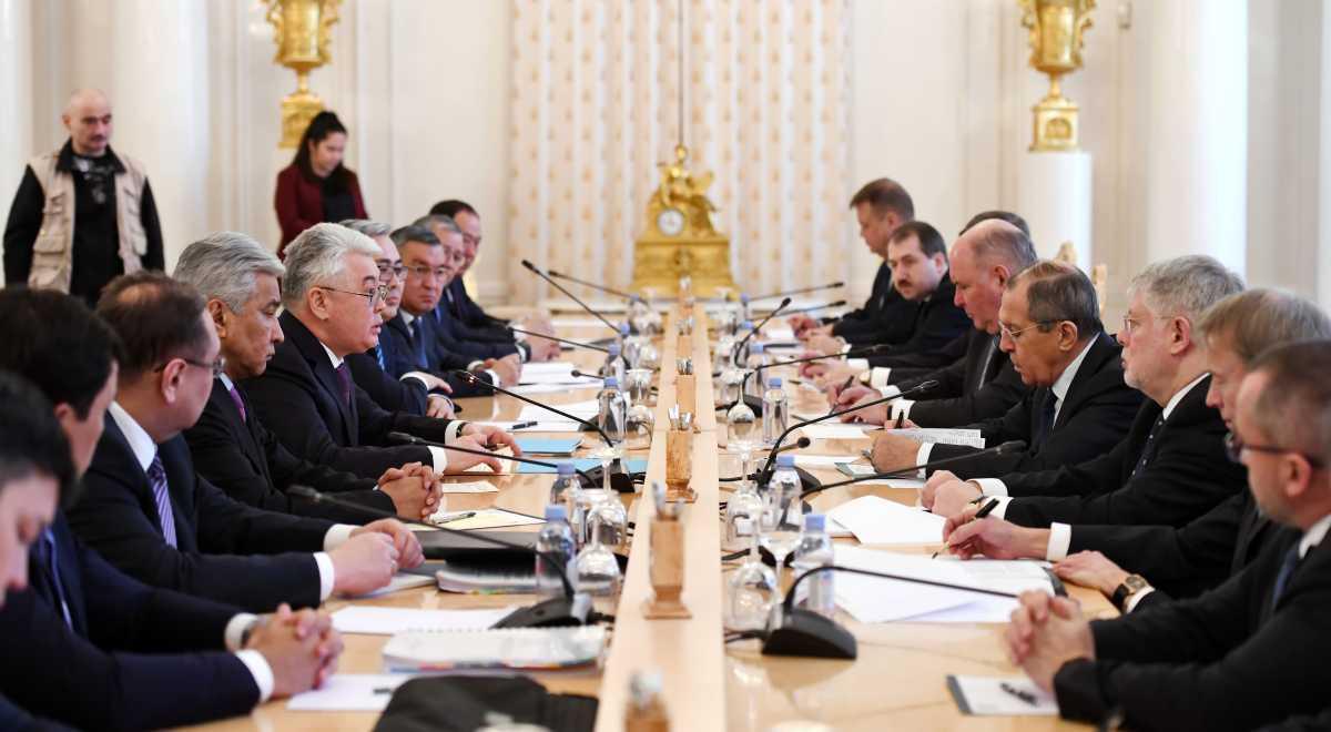 Глава МИД Казахстана посетил с официальным визитом Москву