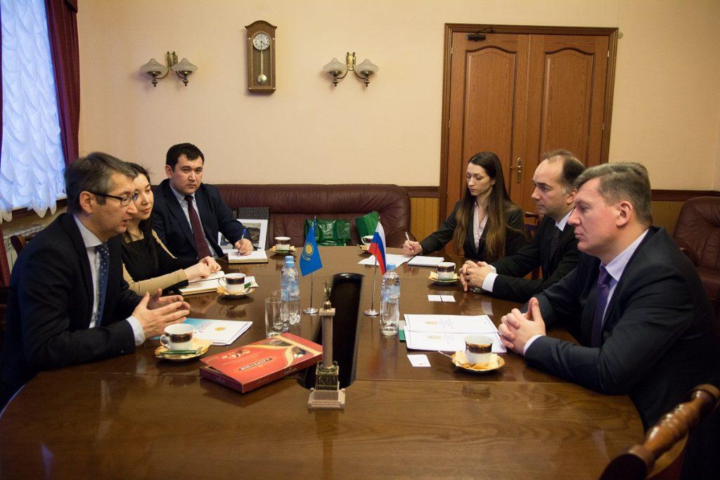 Генконсул РК в в Санкт-Петербурге встретился с руководством университета путей сообщения