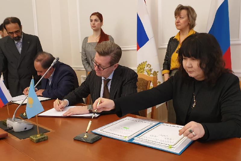 Казахстан, Россия и Иран подписали меморандум по сотрудничеству в торговле пшеницей