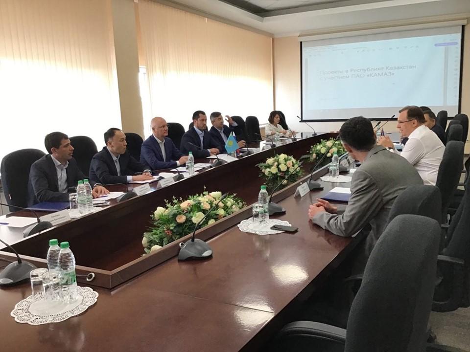 Возможности инвестсотрудничества обсудил Архимед Мухамбетов с российскими коллегами