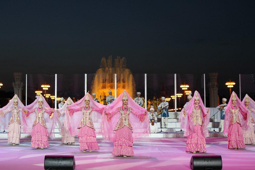 На ВДНХ торжественно открылись Дни культуры Казахстана в России