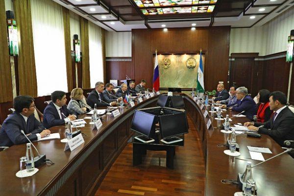 Казахстанская делегация в Уфе участвует в праздновании 100-летия Мустая Карима