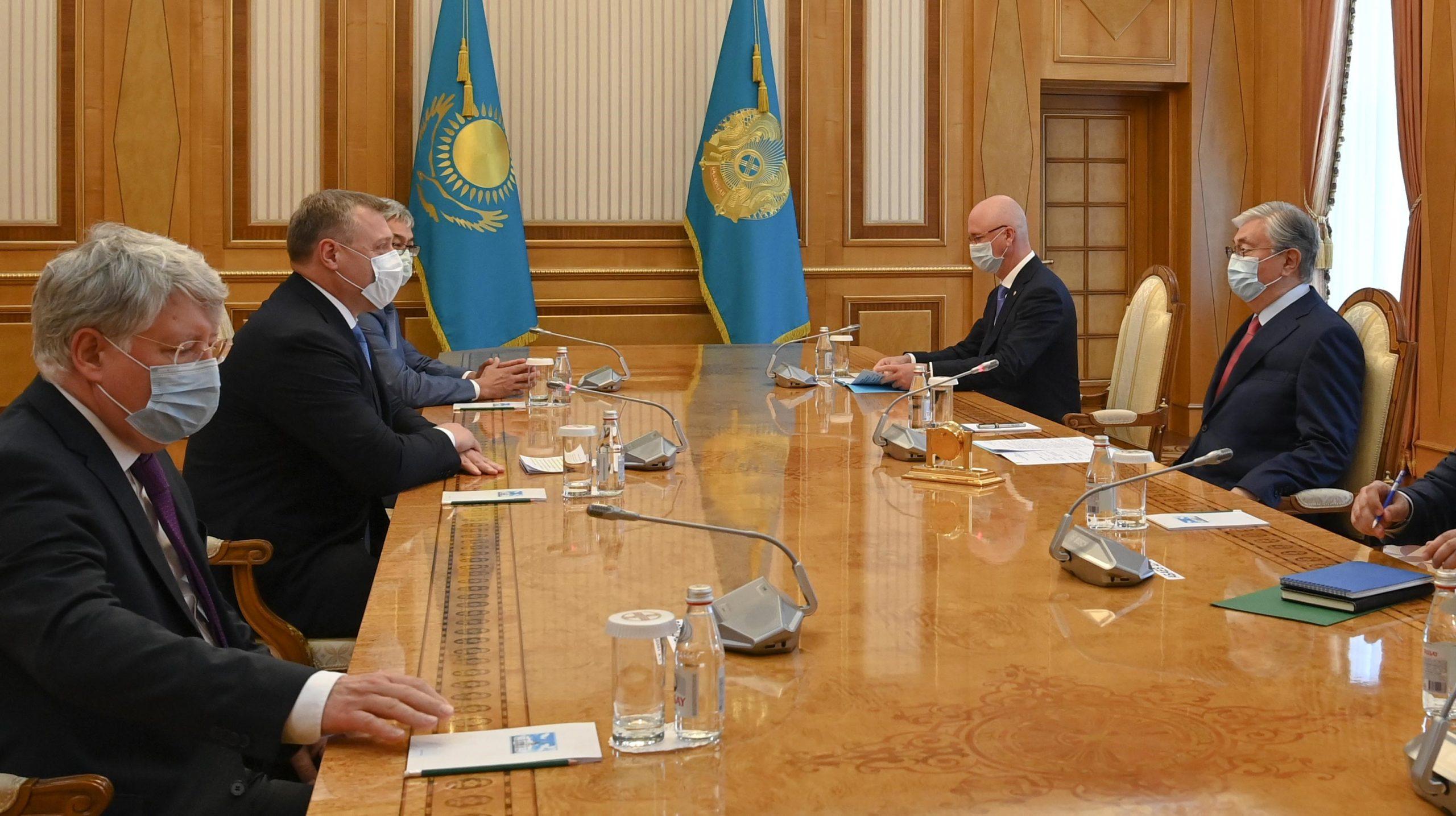 Глава государства принял губернатора Астраханской области Игоря Бабушкина
